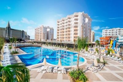 Hotel Ramada Resort Lara 5 stele